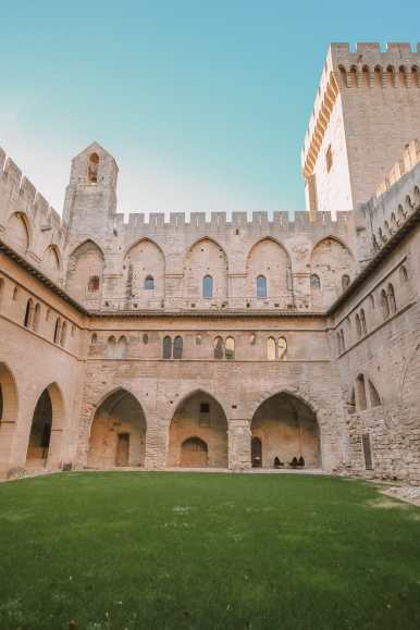 24 Hours Visiting Avignon, Provence (17)