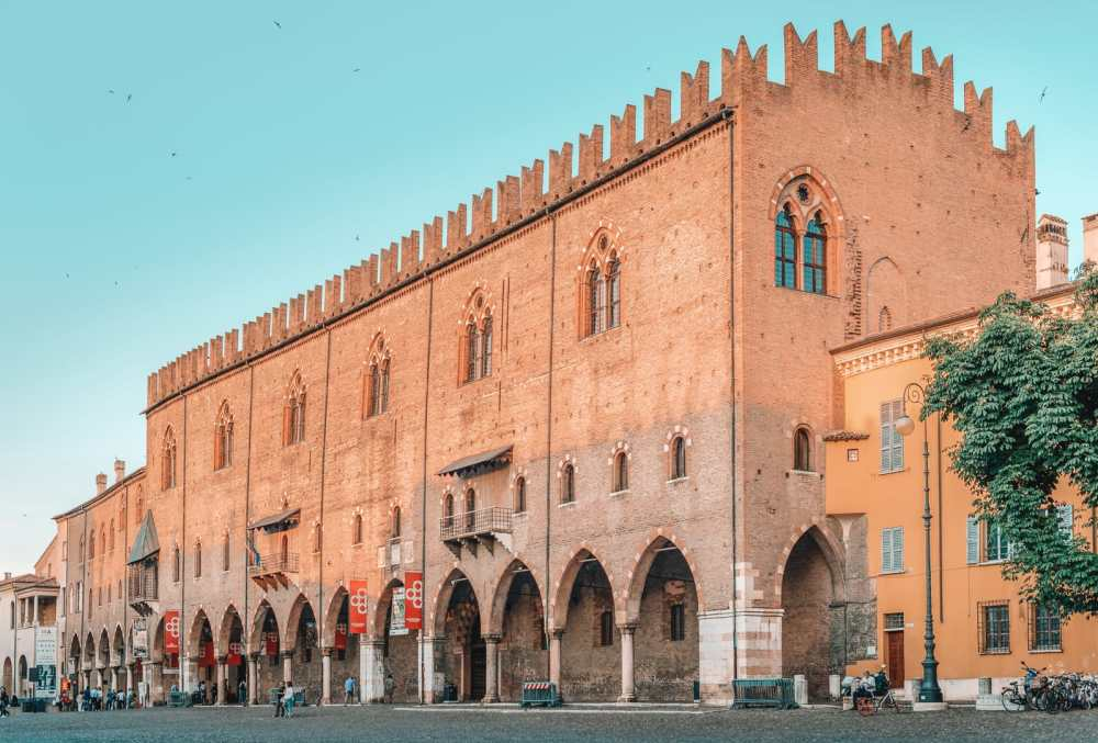 Why You Need To Visit The Ancient City Of Mantua, Italy (23)