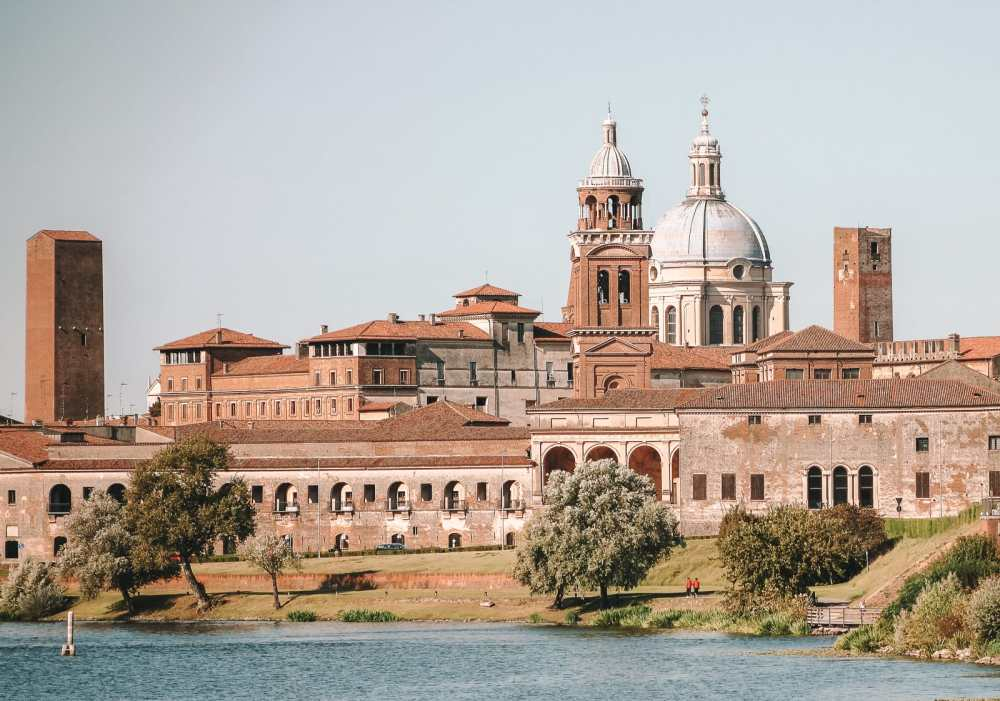 Why You Need To Visit The Ancient City Of Mantua, Italy (17)