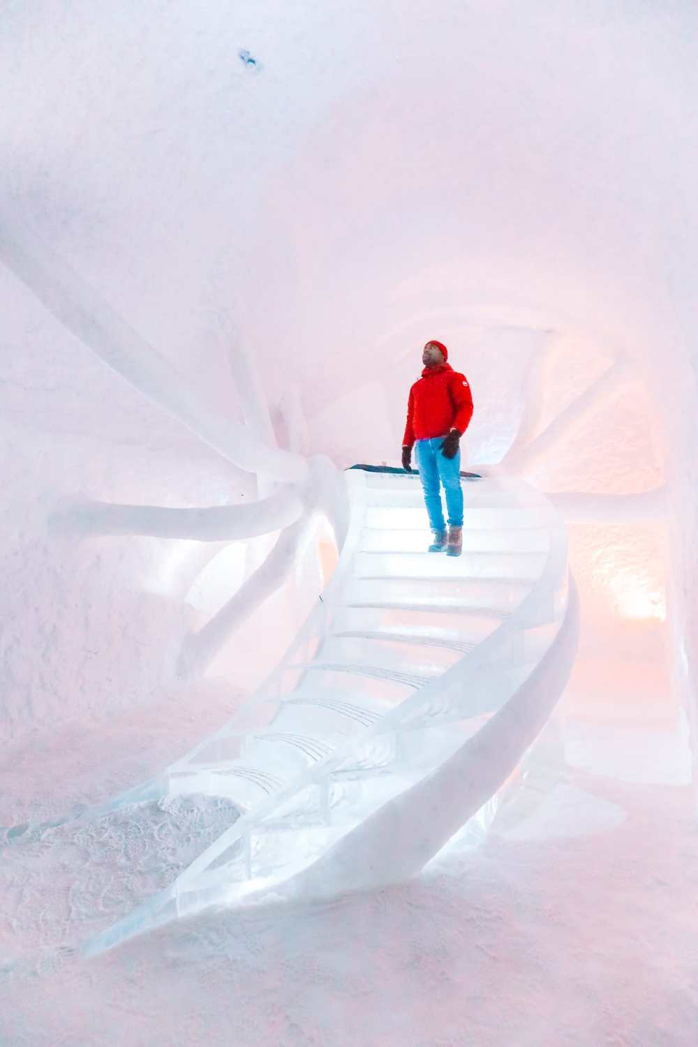 Here's What The ICEHOTEL Looks Like Inside (10)