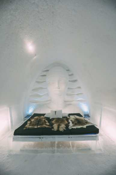 Here's What The ICEHOTEL Looks Like Inside (47)