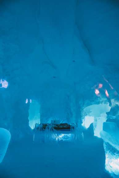 Here's What The ICEHOTEL Looks Like Inside (53)