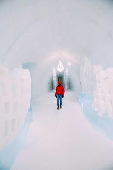 Here's What The ICEHOTEL Looks Like Inside (57)