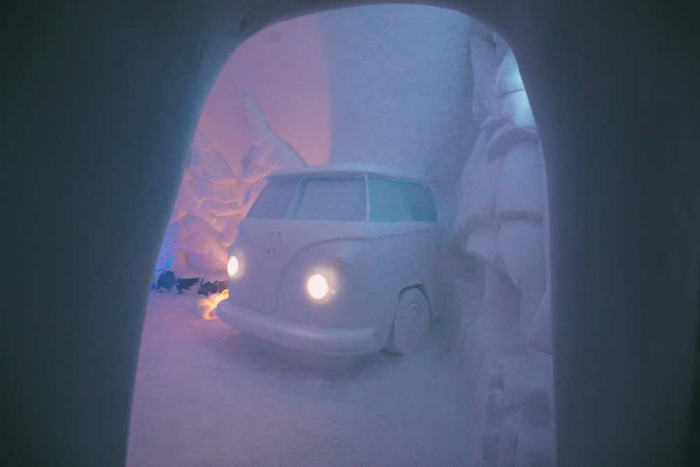 Here's What The ICEHOTEL Looks Like Inside (63)