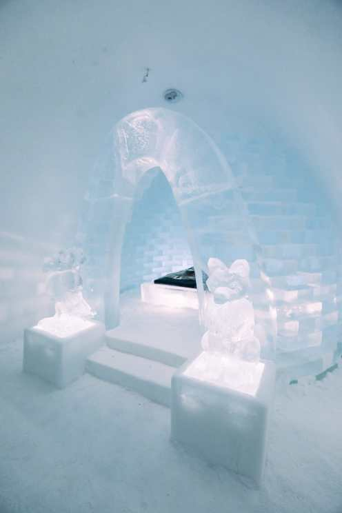 Here's What The ICEHOTEL Looks Like Inside (70)