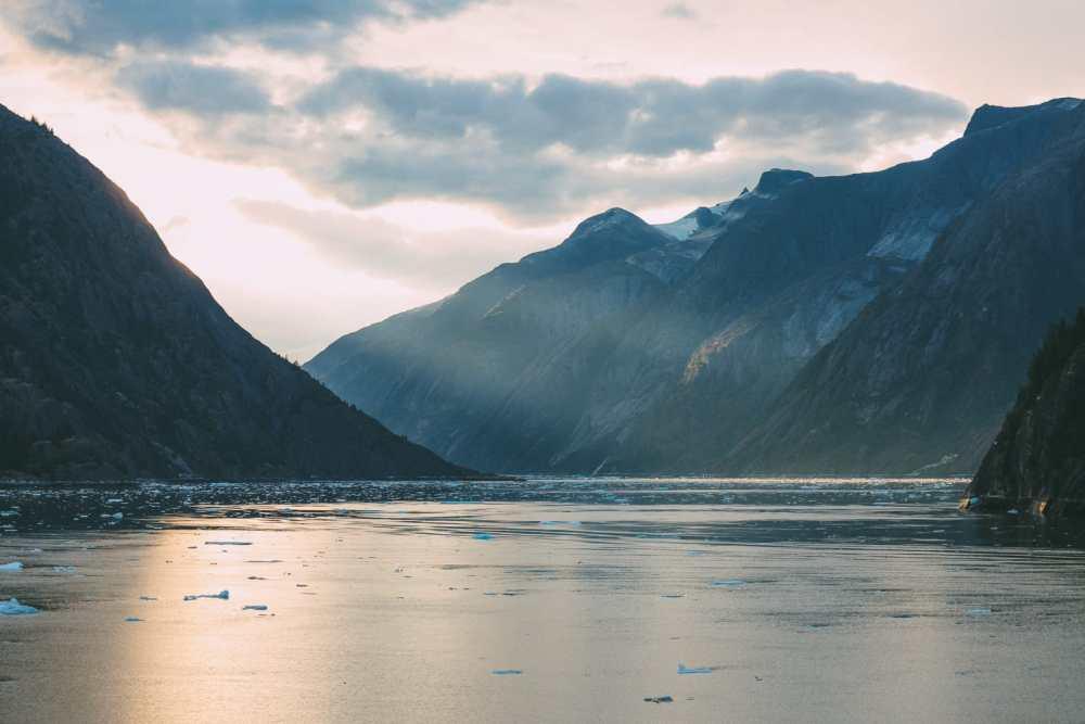 Sailing The Impressive Tracy Arm And Endicott Arm Fjord To The Dawes Glacier, Alaska (16)