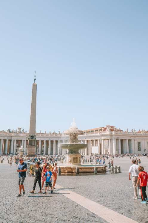 The Magnificent St Peter's Basilica In The Vatican City, Rome (9)