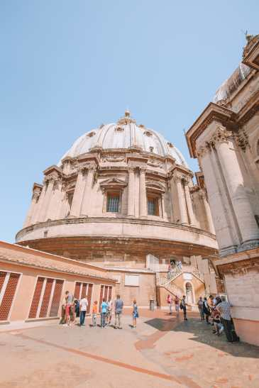 The Magnificent St Peter's Basilica In The Vatican City, Rome (21)