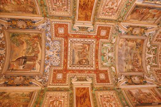 Exploring Vatican City And The Sistine Chapel, Rome (30)