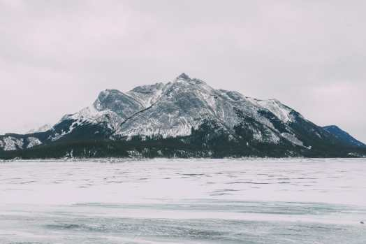 Driving Canada's Epic Icefields Parkway And Finding The Frozen Bubbles Of Abraham Lake (21)