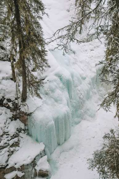 Hiking Johnston Canyon And Seeing The Northern Lights Over Canada (5)