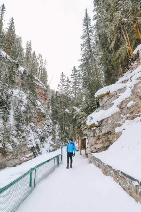 Hiking Johnston Canyon And Seeing The Northern Lights Over Canada (6)