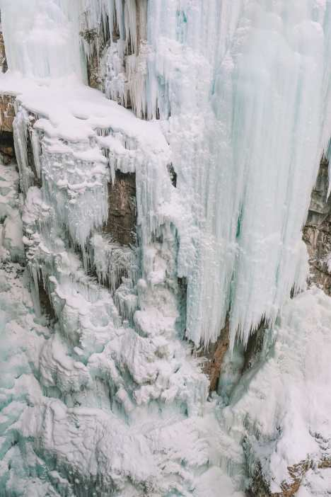 Hiking Johnston Canyon And Seeing The Northern Lights Over Canada (22)