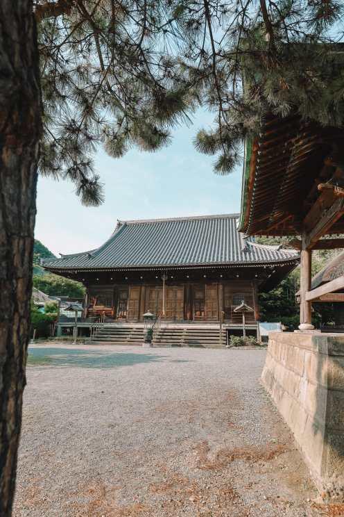 Temple Searching And Traditional Ryokans In Yokohama - Japan (10)