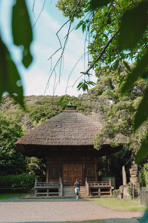 Temple Searching And Traditional Ryokans In Yokohama - Japan (9)