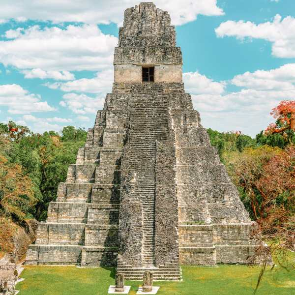 Guatemala Travel: 13 Amazing Mayan Ruins You HAVE To Visit! (13)