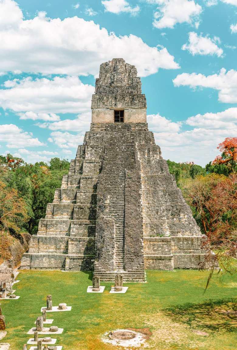 Guatemala Travel: 13 Amazing Mayan Ruins You HAVE To Visit! (13)