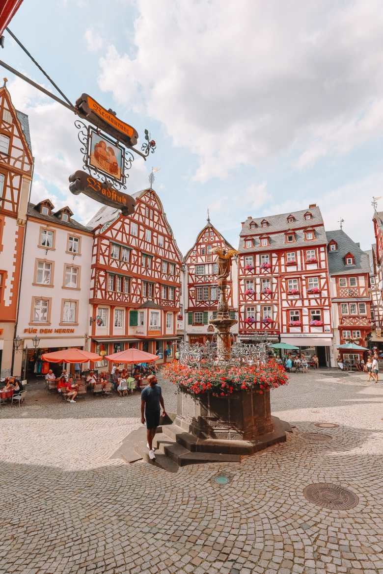 The Incredible Moselle Loop And Beautiful Town Of Bernkastel Kues In Germany (18)