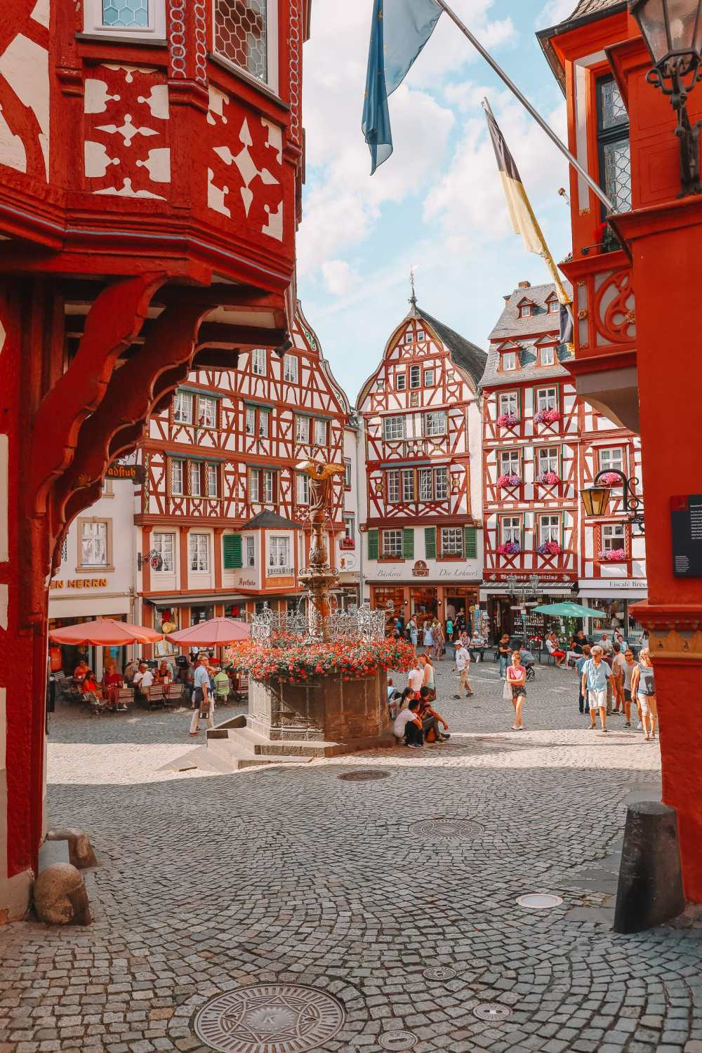 The Incredible Moselle Loop And Beautiful Town Of Bernkastel Kues In Germany (23)