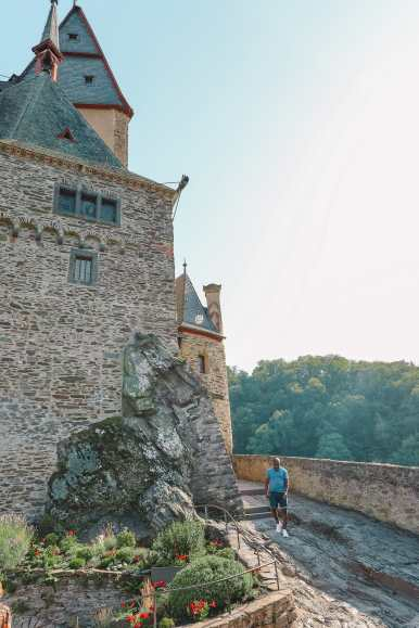 The Gorgeous Little Town Of Beilstein and The Amazing Eltz Castle In Germany (51)