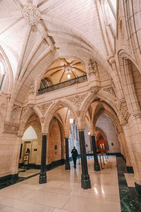 Visiting The Parliament Of Canada (27)