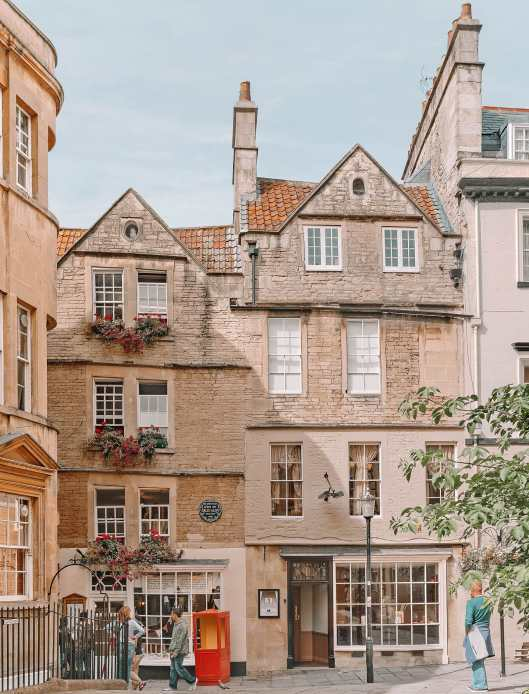 Best Things To Do In Bath, England (4)