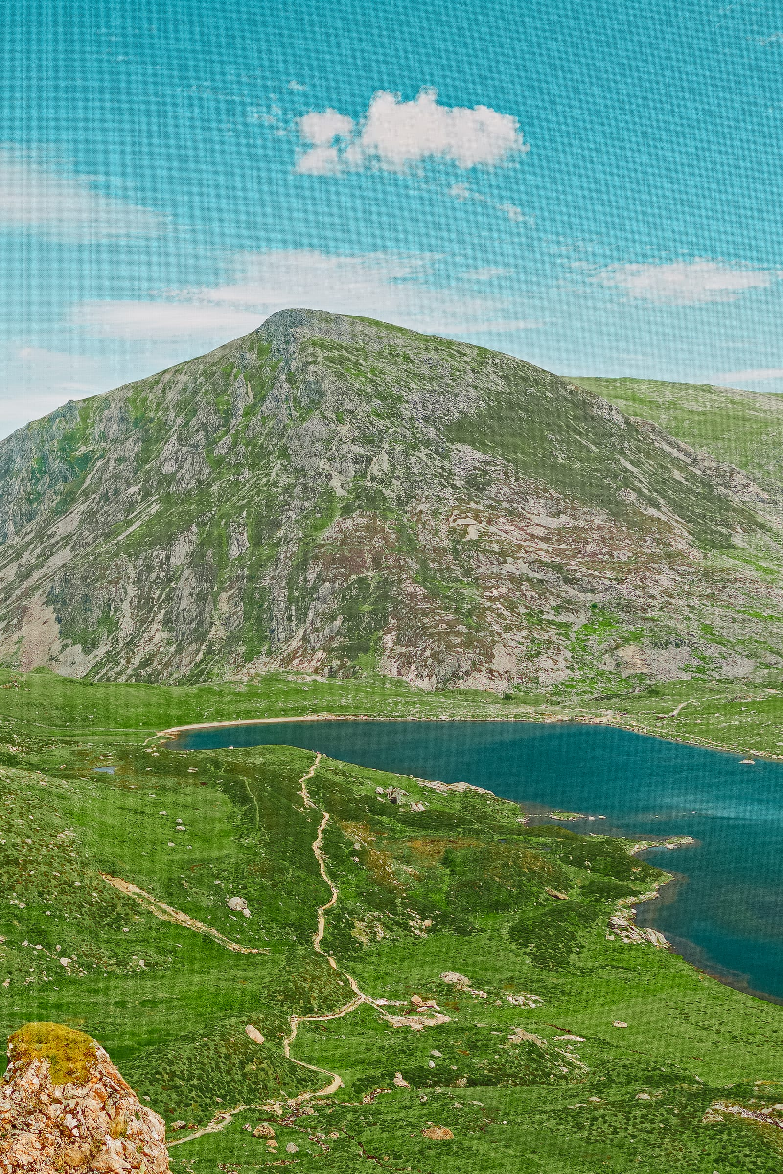 11 Best Hikes In Wales To Experience (6)
