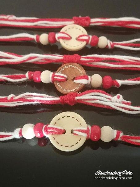 Мартеница с бяло/червено копче - handmadebypetra.com