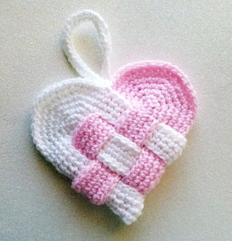 crochet Danish heart