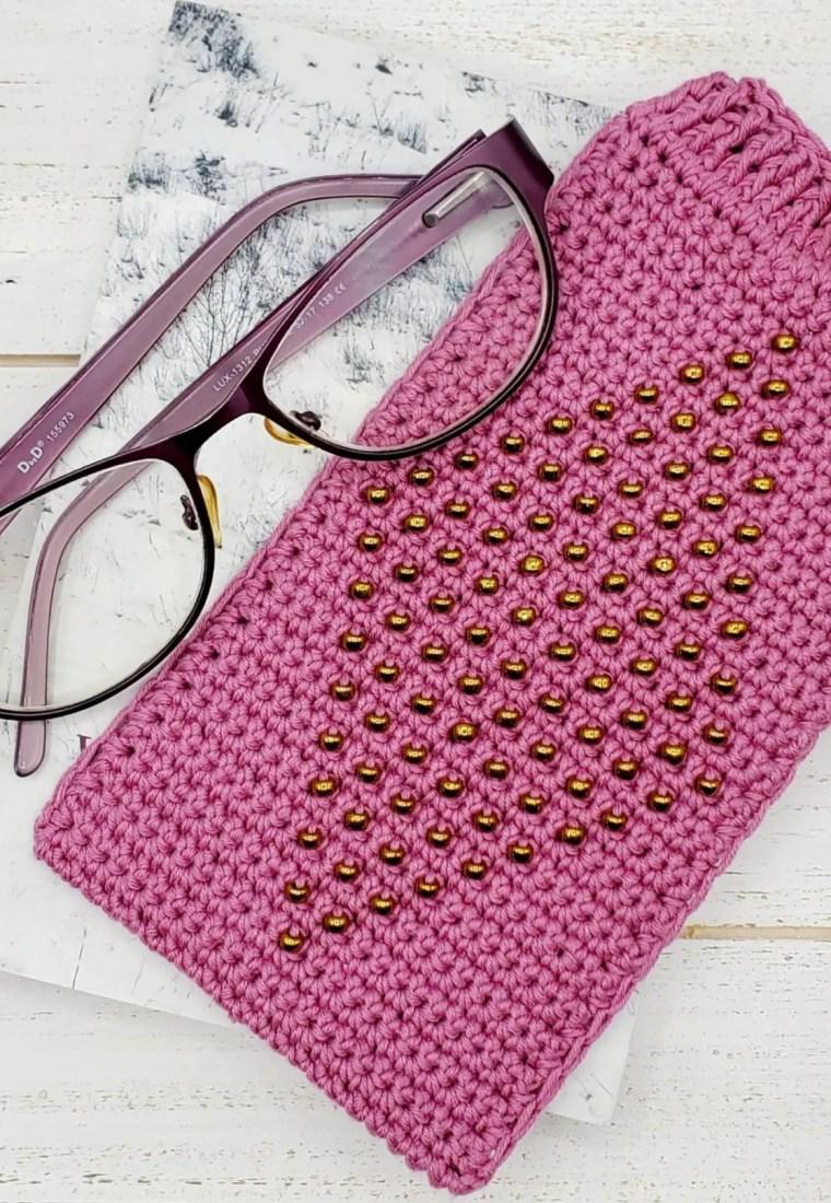 How to crochet beaded eyeglass case