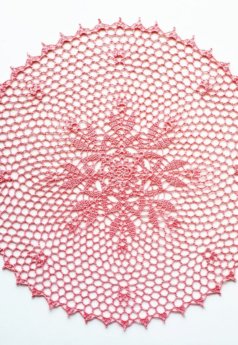 How to crochet Wind Rose doily