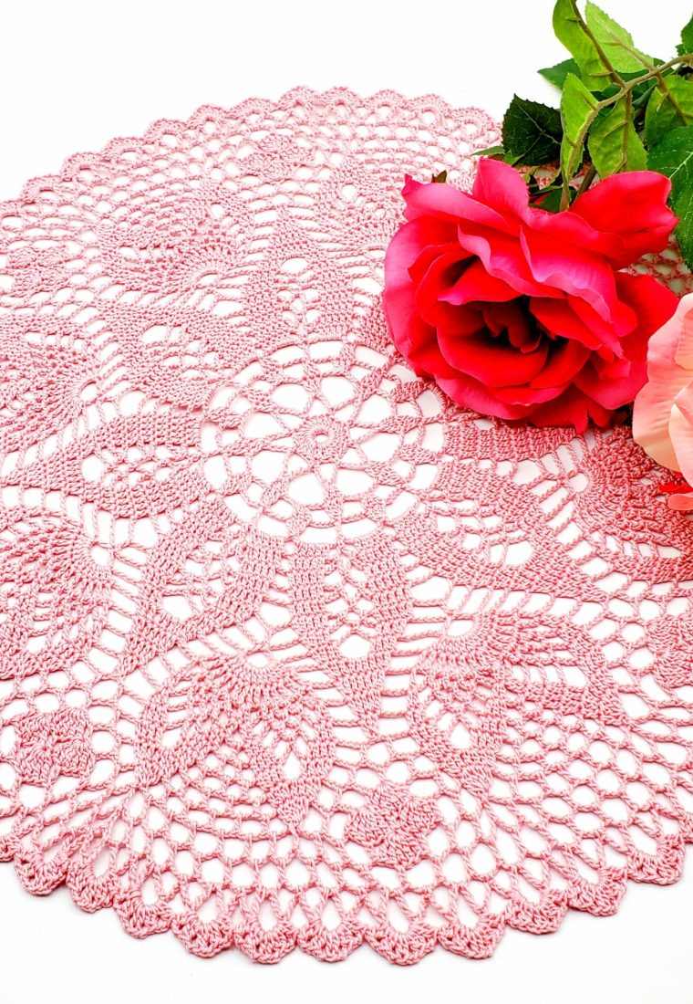 How to crochet Valentine Doily