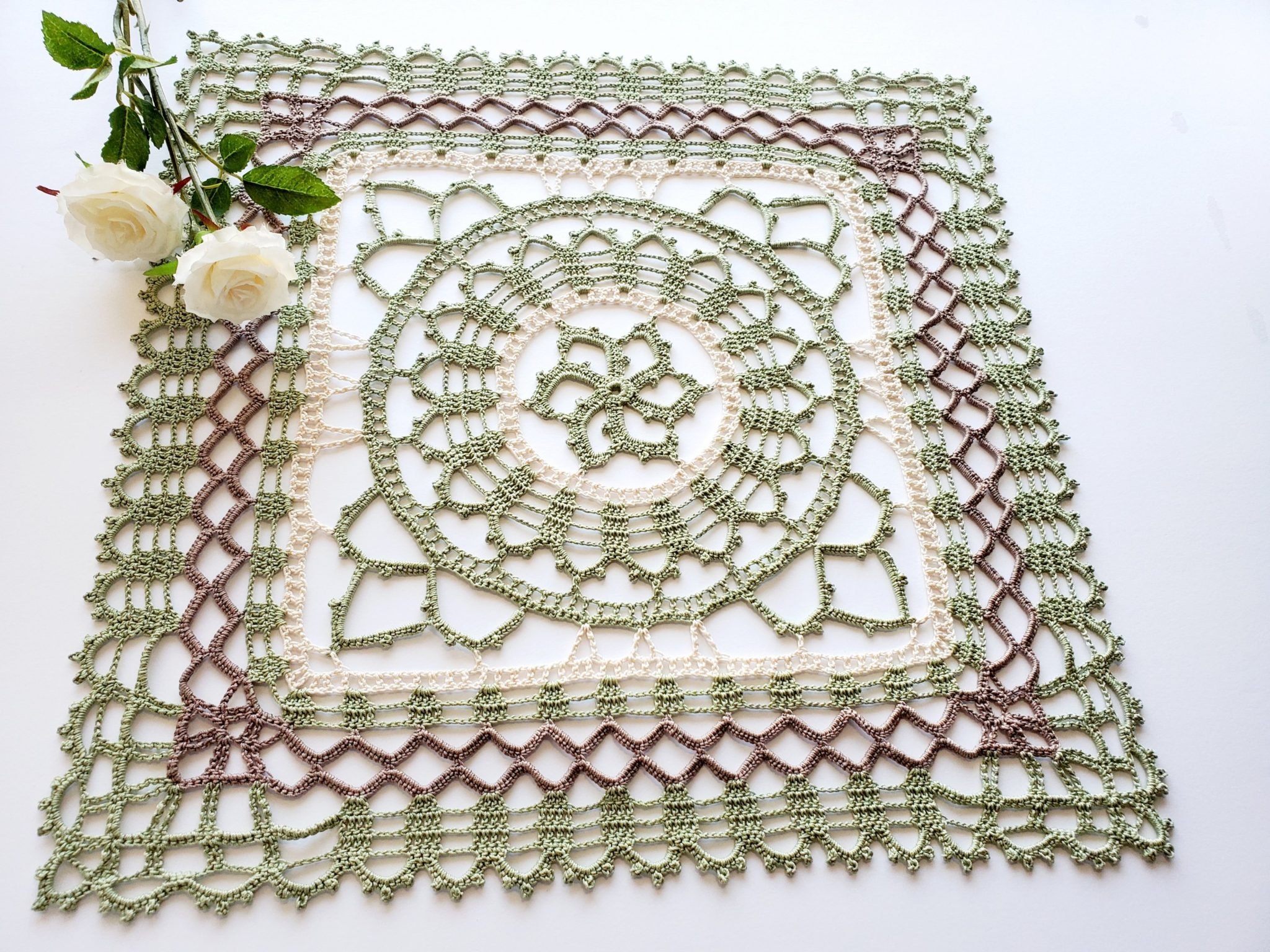 How to crochet Celtic Square Doily