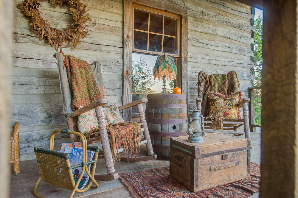 Log Cabin Porches... To Decorate, Or Not