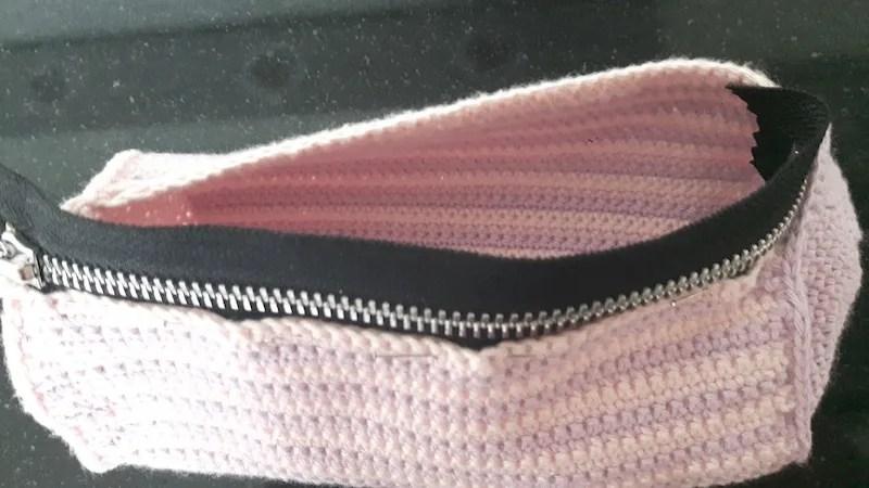 zipper pinned halfway