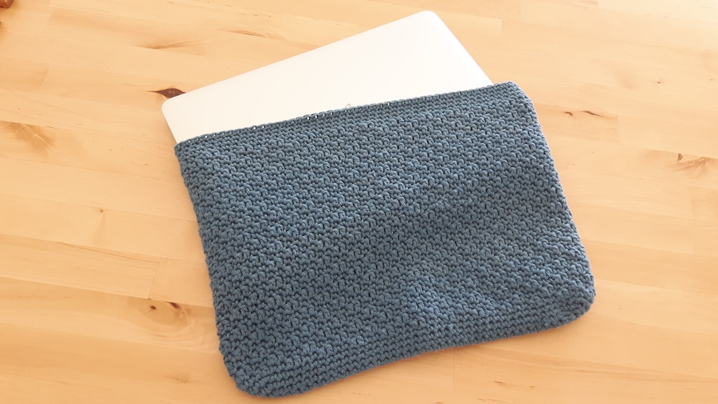 laptop sleeve with recycled drops paris