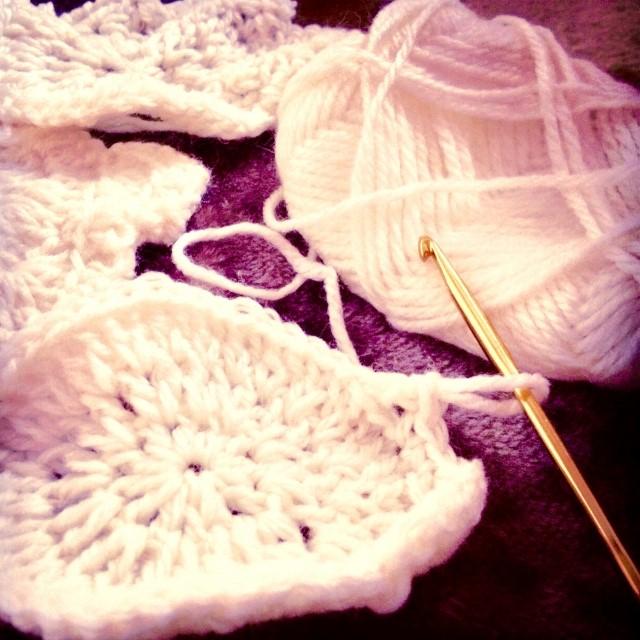 かぎ針編みの長編み!円は?減らし目は?2段目とはどんなことなのかについても詳しく教えます♪