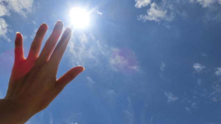 レジンに太陽光は?固めることはできるの?