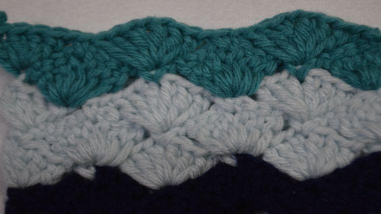 かぎ針編みで波模様の編み方☆松編みのおすすめ動画を紹介!