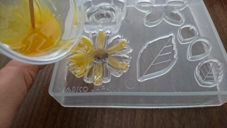 レジンで花を立体に!作り方で基本的なものは?