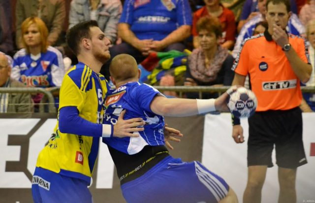 Deux anciens montpelliérains, Matej Gaber (Szeged) et Borut Mackovsek (Celje) face à face.