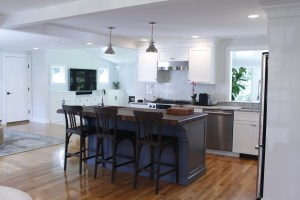 Custom kitchen cabinets and finish in kitchen remodel