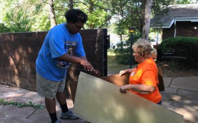 Youth group serves in St. Louis as part of the Hands and Feet initiative