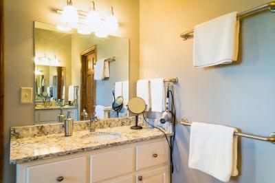 handsimprovements-bathrooms-2-2
