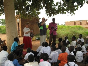 Uganda14 - Steven Kelly Teaching