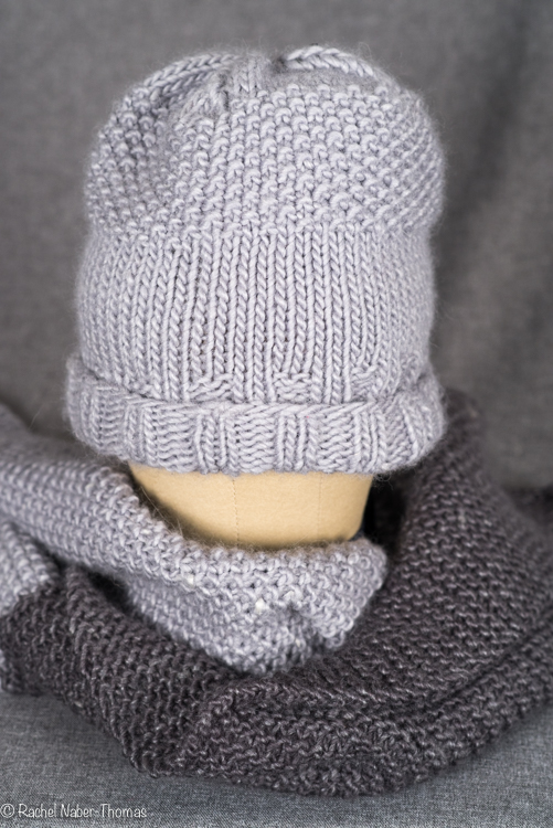 Knit hat and scarf in seed stitch