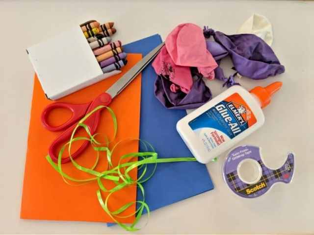 Make your own DIY balloon birthday card with a few simple supplies!