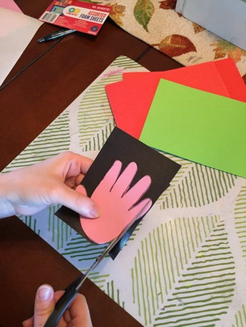 Looking for a sweet and simple Father's Day craft? Make these easy handprint magnets for Father's Day!