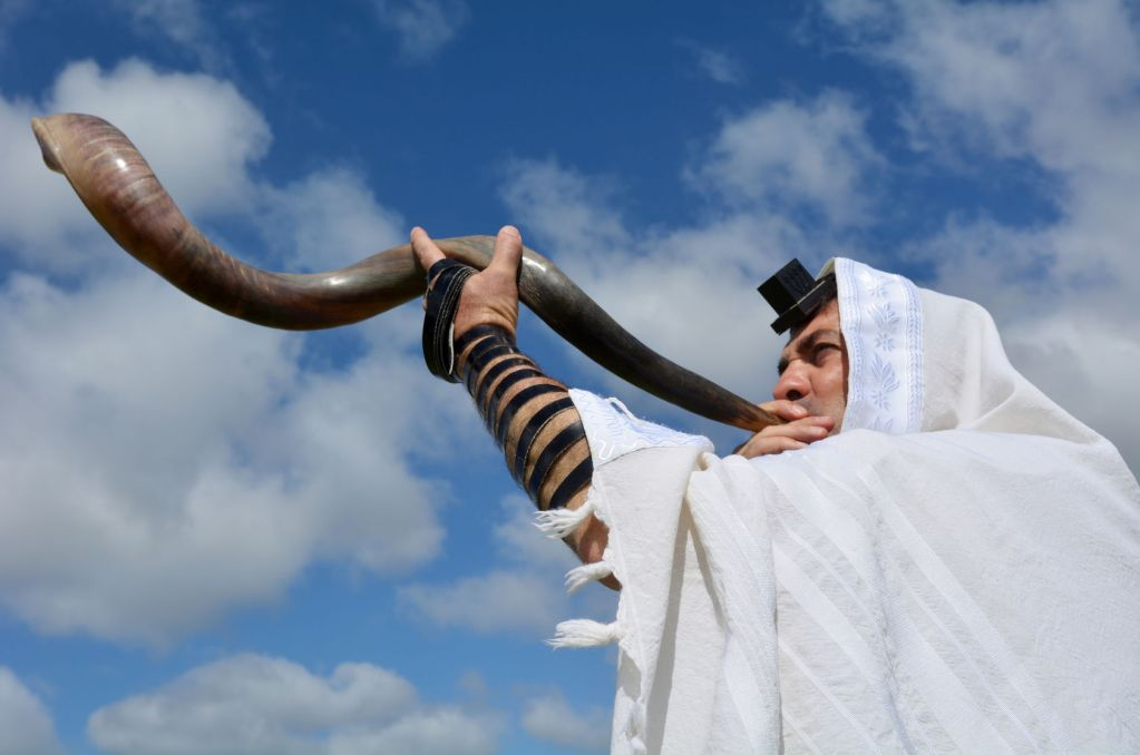 listen to the shofar and learn to appreciate your sensory child more