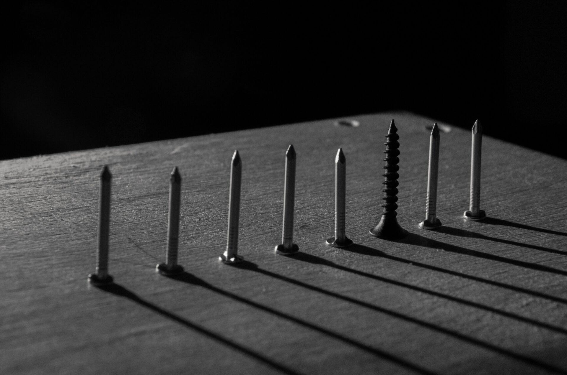 Nagelpistole: Druckluft oder Akku?